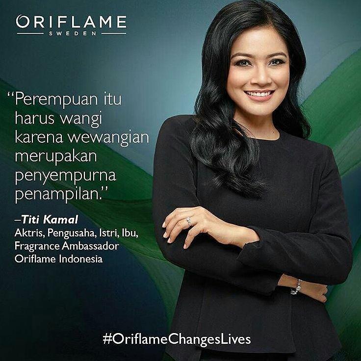 @Regrann from @id.oriflame -  Beliau  selalu tahu apa yang beliau inginkan dan konsisten mengejarnya hingga sukses. Berbekal sikap positif dan konsisten terhadap kemauannya beliau tidak pernah berhenti melangkah menyambut tujuan hidupnya.Sekarang beliau adalah bagian dari keluarga besar Oriflame Indonesia.  Oriflame Indonesia dengan bangga memperkenalkan Oriflame Indonesia Fragrance Ambassador 2017  Titi Kamal - #regrann