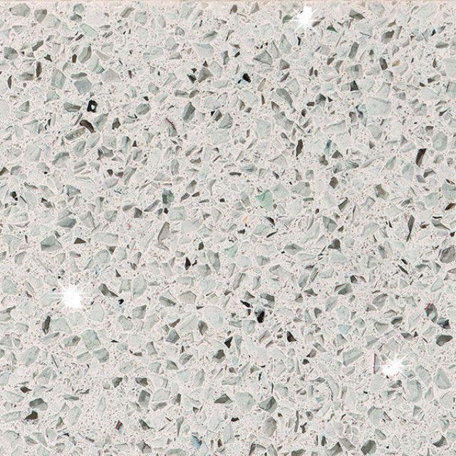 Silestone Blanco Stellar - en av Ellingard Collections flotte benkeplater i naturstein (natural stone)! Klikk for mer inspirasjon og info.