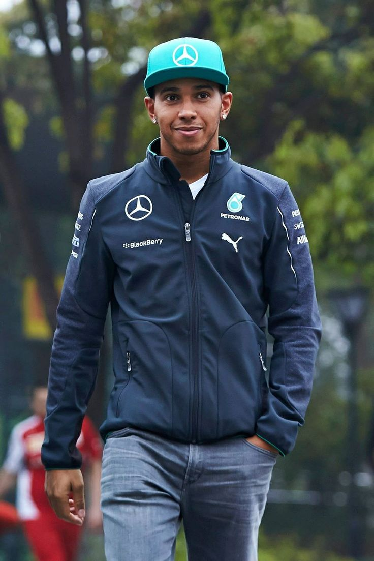 In the Paddock w/Lewis Hamilton @ 2014 FORMULA 1™ UBS CHINESE GRAND PRIX 18 20 April #Shanghai