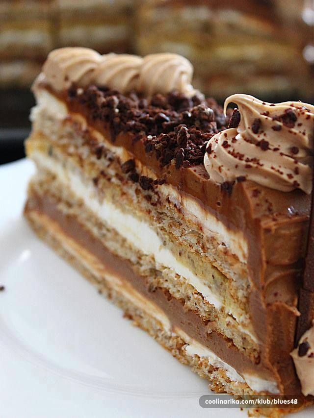 Torta je toliko kremasta da se kore jedva osjecaju, ispadne dosta velika, ali se brzo i pojede jer je ljepša od bilo koje čokolade. ...