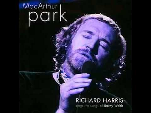 Richard Harris MacArthur Park Original 1968 - YouTube