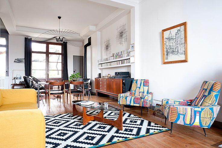 Cette maison, inhabitée depuis 10 ans et très joliment rénovée version 50's par Fusion D, est située à Bordeaux. Voilà de bien chan...