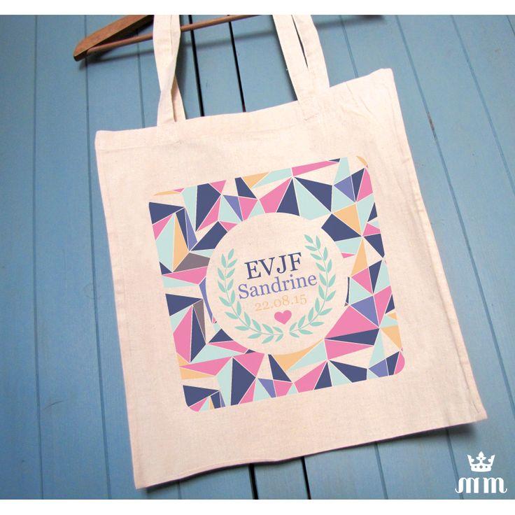 Tote bag beige Lovely Geometry, cadeau idéal pour la future mariée et ses amis présentes pour l'enterrement de vie de jeune fille (EVJF)... Ce tote bag personnalisé est un souvenir original à conserver.