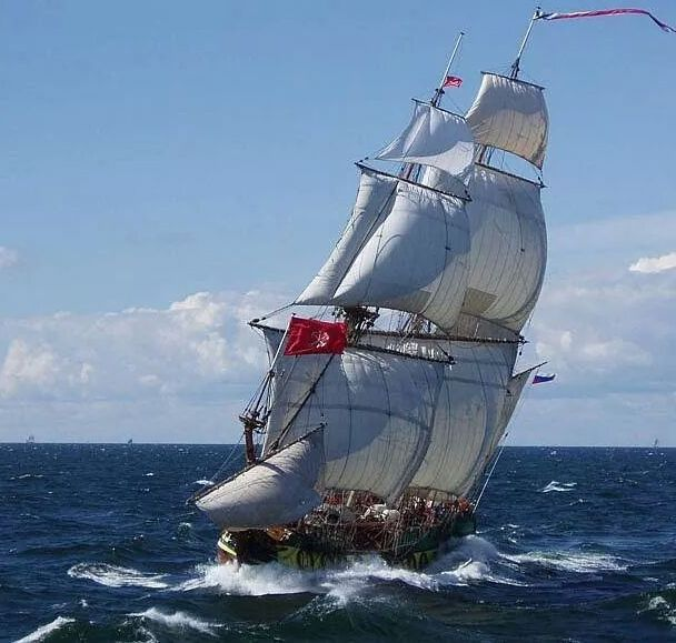 """Sthandard"", 17th century russian frigate replica 