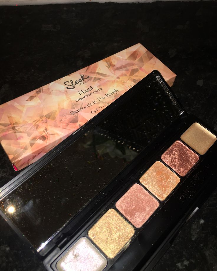 Sleek Limited Edition 'Diamonds in the Rough' pallet. #sleek #makeup #sammiekidd #shimmer #eyeshadownpallet