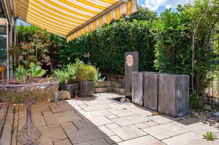 Attraktive 2-Zi-Wohnung mit Garten und verglastem Sitzplatz