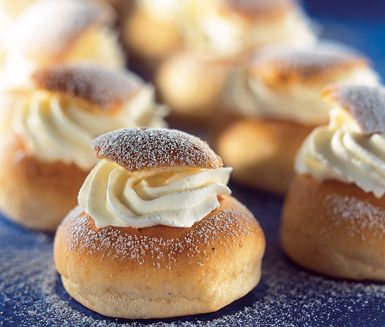 """Gluten free Swedish """"Semla"""" / Glutenfria semlor med recept från ICA. Det står att man ska väga glutenfria mjölet för bästa resultat"""