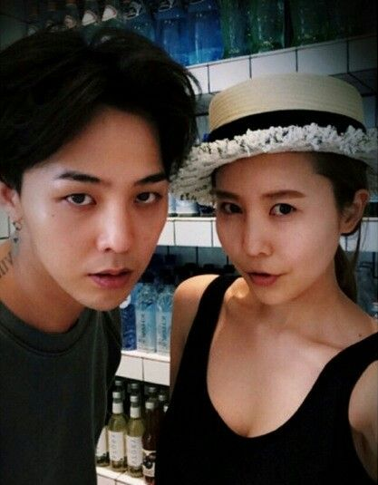G-Dragon at Rare Market, his sister's shop. From her sister Dami (damikwon_) and friend's (jessicajung_____) Instagram: