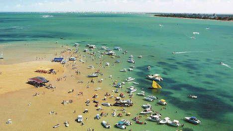 http://www.clarin.com/todoviajes/destinos/america-del-sur/playas-brasil-areia-vermelha_0_1507649624.html
