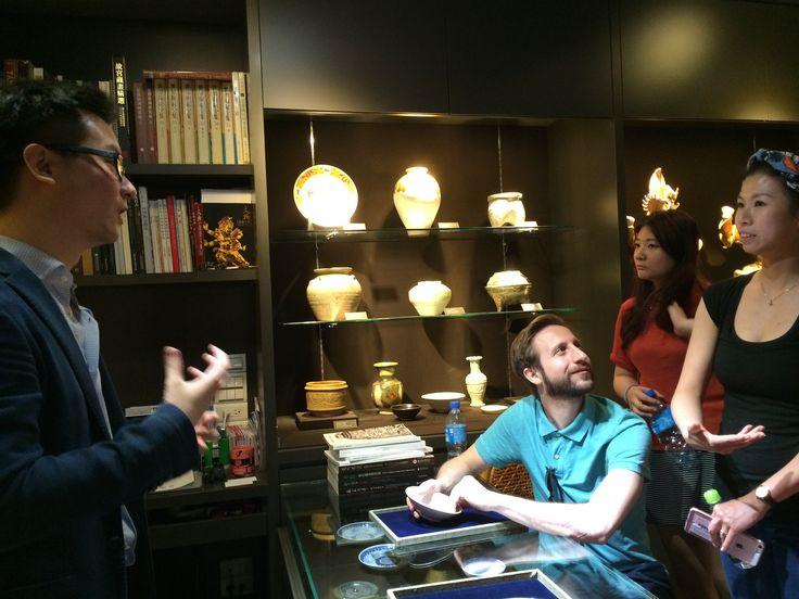 David Chiu's gallery Qianlong Ge Oriental Art Ltd., Taipei, 4 Jun 2016. (David Chiu is an alumnus, Class of 2012.) Photo courtesy of Nixi Cura