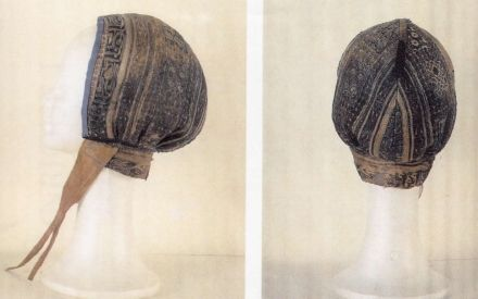 12thC coif. Museo de Telas Medievales (Burgos, Spain). From Museum of Medevial Textiles