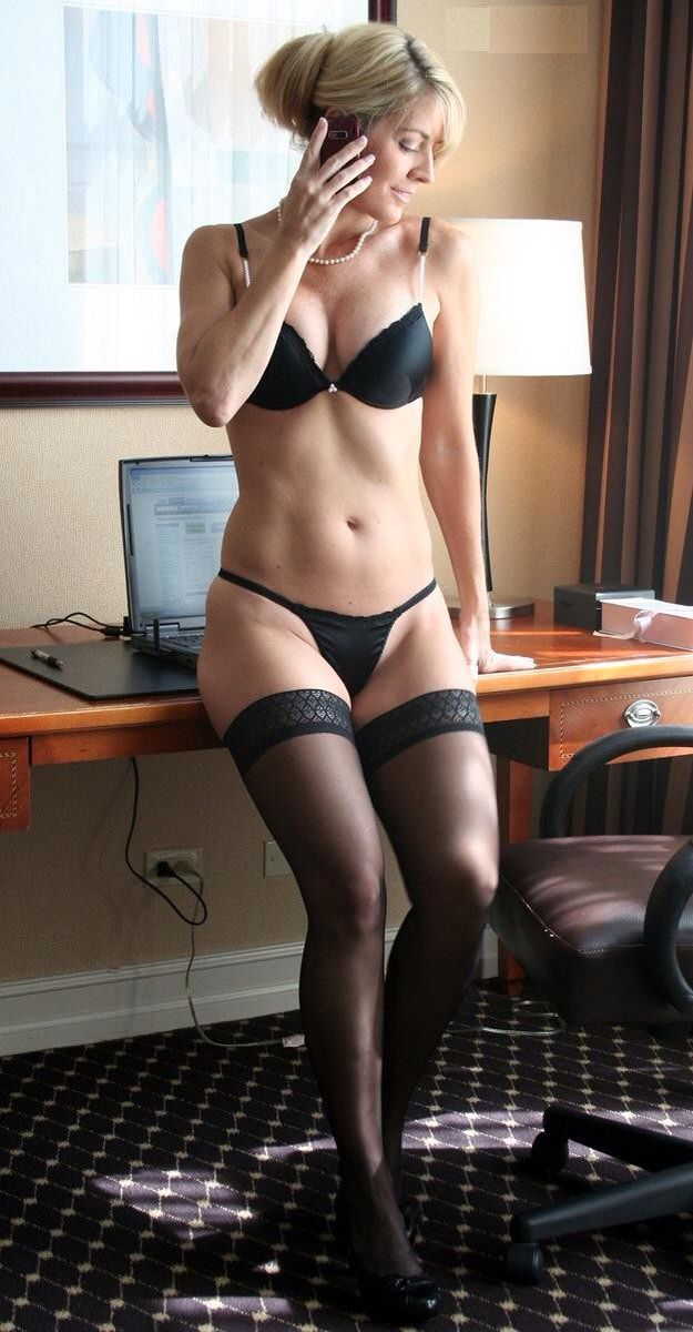lingerie-mature-stockings-sexy-pics-girl-muscleporn