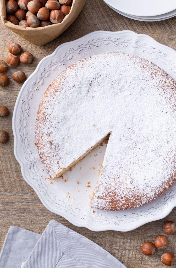 Torta di nocciole: delicata e profumata. Perfetta per una merenda davvero speciale!  Hazelnut cake