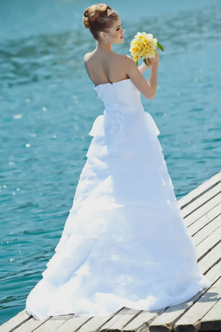 Wedding Gown Trends To Lookout For Personal Special Day - Amazing ...