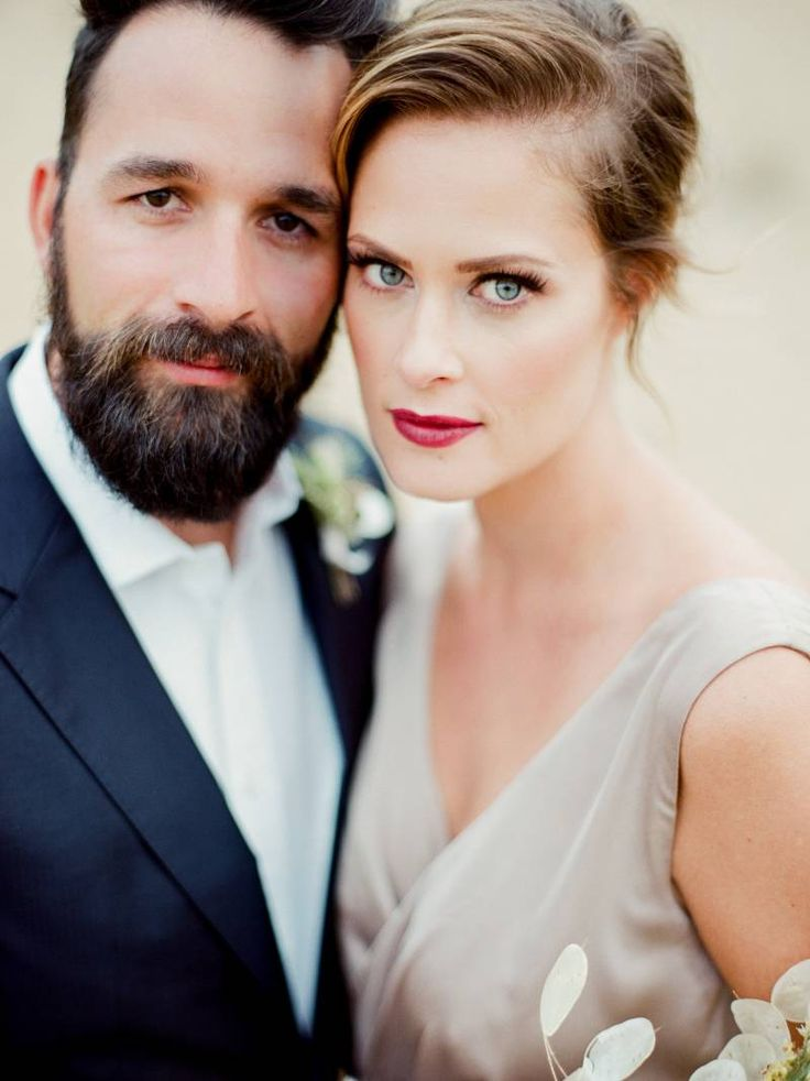 Modern & luminous wedding inspiration in the desert via Magnolia Rouge