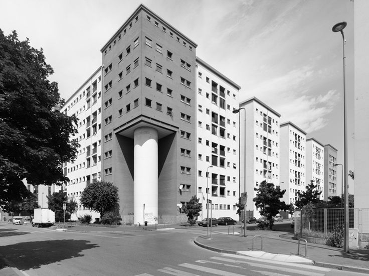 Aldo Rossi / Residential building in the Vialba district of Milan, 1985