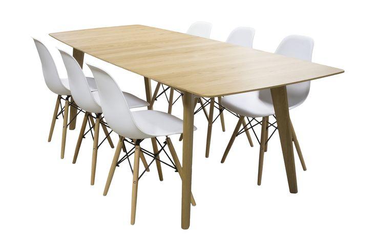 Modern och lyxigt matbord i ek tillsammans med 6 stycken snygga stolar.Iläggsskiva förvaras under bordet.Det går att välja mellan limegrön, ljusblå, grå, rosa och vit färg på stolarna.Bredd: 190/235 cmDjup: 90 cmHöjd: 75