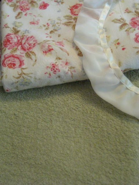 Little and Lovely: DIY:  Luxuious Towel/Blanket