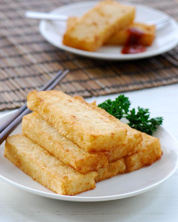 Chinese steamed radish cake. Ingredients: rice flour, water, oil, garlic, dried shrimp, radish, pepper, sugar, salt, corn, flour. Recipe from Indochine Kitchen.