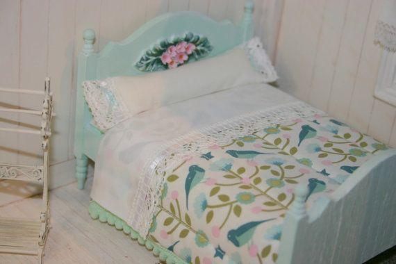 Cama casa de muñecas miniatura menta doble Tilda edredón, juego de cama completa, tan dulce, 1:12 escala