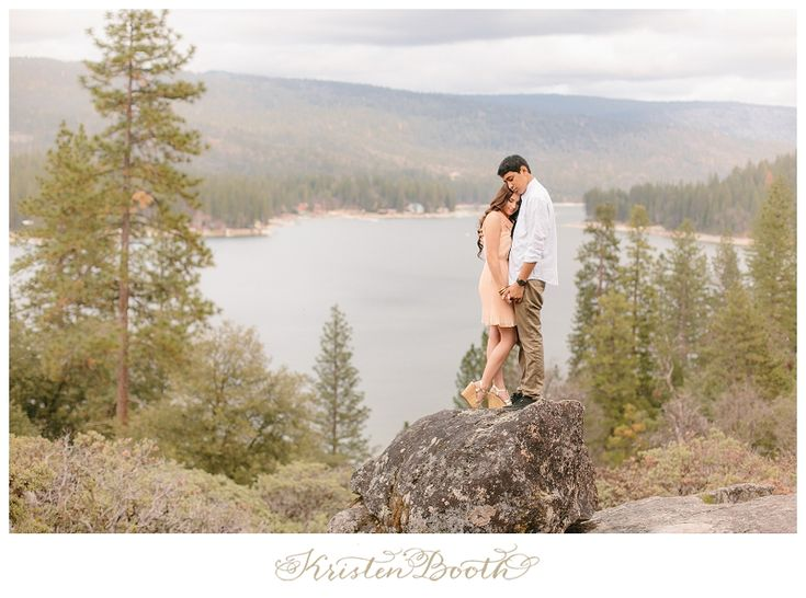 {Amy and Jordan} Twilight Love | Dreamy Lake Engagement Photos