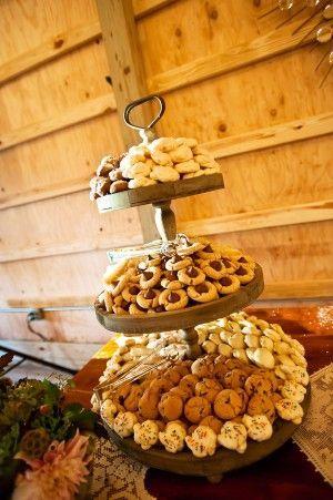 Planning a DIY Wedding: 5 Simple Dessert Table Ideas | Rustic Folk Weddings