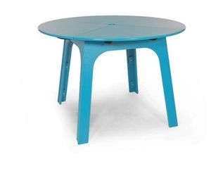 recycled plastic contemporary garden table (recyclable product and packaging) ALFRESCO 44 Loll Designs