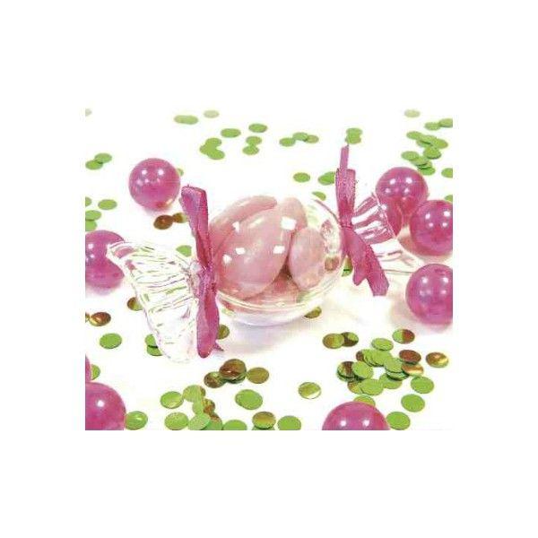 Super tendance ces boîtes à dragées transparentes en forme de bonbon Elles donnent un ton gourmand à la fête. A déposer dans l'assiette de vos convives ou sur la table pour un coté magique à votre décoration. Matière: Plastique transparent,conforme aux normes alimentaires