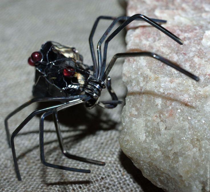 Купить Чёрная вдова. Серебряная брошь-кулон с морионом - черный, черная вдова, черный паук