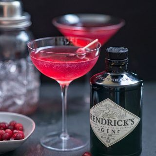The Red Queen INGREDIENTS : 100ml | 3 fl oz cranberry juice 80ml | 2.7 fl oz ( ⅓ cup) Hendricks gin 40ml | St Germain (Elderflower liqueur) juice of ½ lemon fresh cranberries threaded on cocktail sticks to garnish
