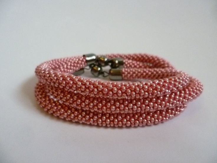 Bead crochet necklace and bracelet in pink