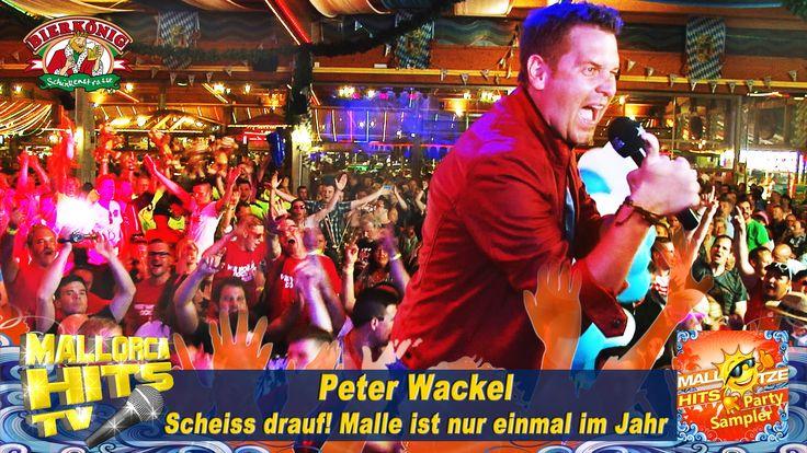 """Peter Wackel startet mit """"""""Scheiss drauf! Malle ist nur einmal im Jahr"""""""" das Mallorca Opening 2015 im Bierkönig. Mallotze Hits 2015: http://mallorcahitstv.de/mallotze-hits/ http://mallorcahitstv.de/2015/06/peter-wackel-scheiss-drauf-mallorca-2015/ #ballermannhits #peterwackel #scheissdrauf"""
