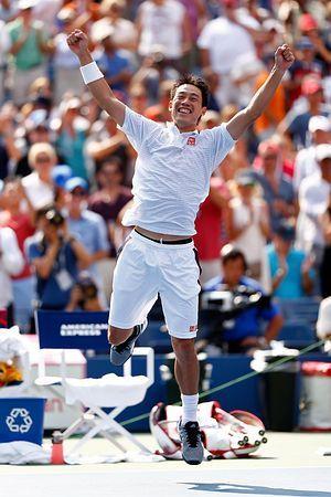 男子シングルス準決勝でノバク・ジョコビッチを破り、跳び上がって喜ぶ錦織圭=6日、ニューヨーク(AFP=時事) ▼7Sep2014時事通信|時事ドットコム:錦織、全米決勝へ=日本人初の快挙-テニス http://www.jiji.com/jc/zc?k=201409/2014090700013