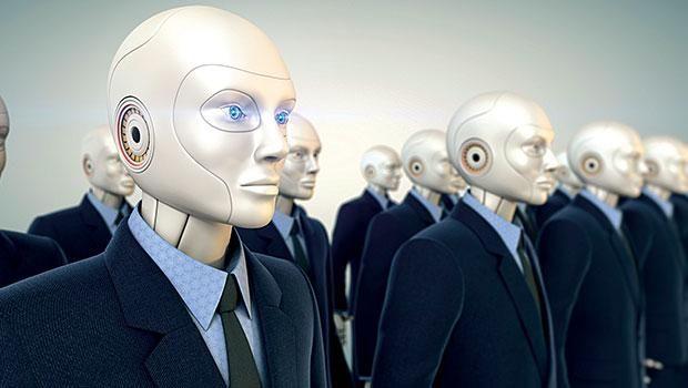 """Hızla dijitalleşen dünyada robotların sayısı da her geçen gün artıyor. Fabrikalardan otellere, kahve zincirlerinden havalanlarına kadar artık robotlar her yerde. Akıllara ilk gelen """"Robotlar işimizi elimizden alacak mı?"""" sorusunu araştırdık."""