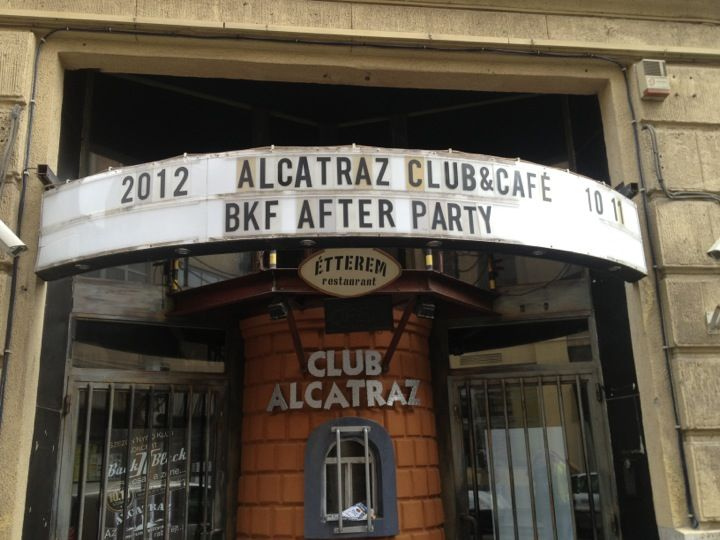 Alcatraz is a one the few clubs that still operates after its opening in 1999. The interior design evokes the ambience of the famous US prison island. The best Hungarian club bands play on the stage on the evenings: funky, R&B, pop-rock music.  Open: Thurday - Saturday: 6 pm to 5 am, Sunday: Closed