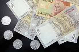 RUPIAH FORWARDS DROP MOST IN THREE WEEKS BEFORE FED MEETING   Indonesia's rupiah forwards fell the most in three weeks and government bonds declined before the Federal Reserve starts a meeting today to decide whether to cut stimulus that has buoyed demand for emerging-market assets.  For more: http://fxbase.com/newsroom/rupiah-forwards-drop-most-in-three-weeks-before-fed-meeting/