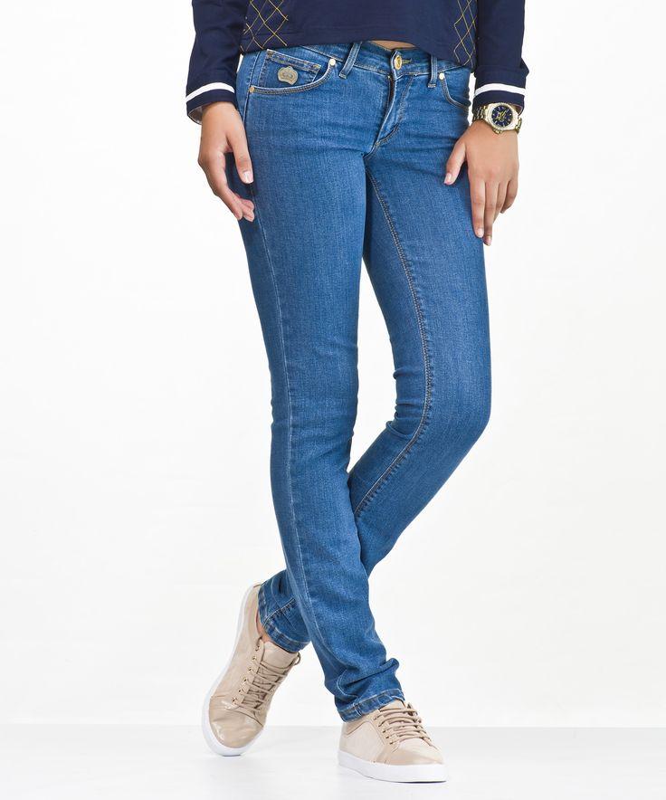 Gran variedad de pantalones para mujer y para hombre / Grandes rebajas a tu alcance: http://www.pieldetoro.com