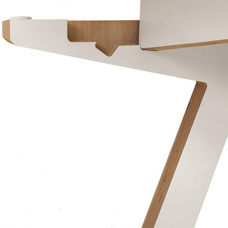 ByAlex Desk White Close Up - http://www.cimmermann.uk/shop-by-brand/byalex.html