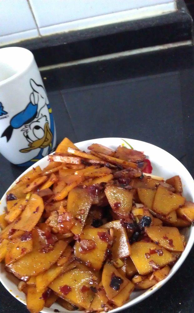 Twice cooked potato chips (chili sauce)
