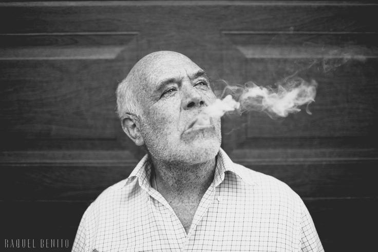 Retrato en blanco y negro. Fotografía de Raquel Benito. Black and white portrait. Raquel Benito photography.
