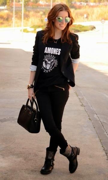 Look: T-shirt & Botinha