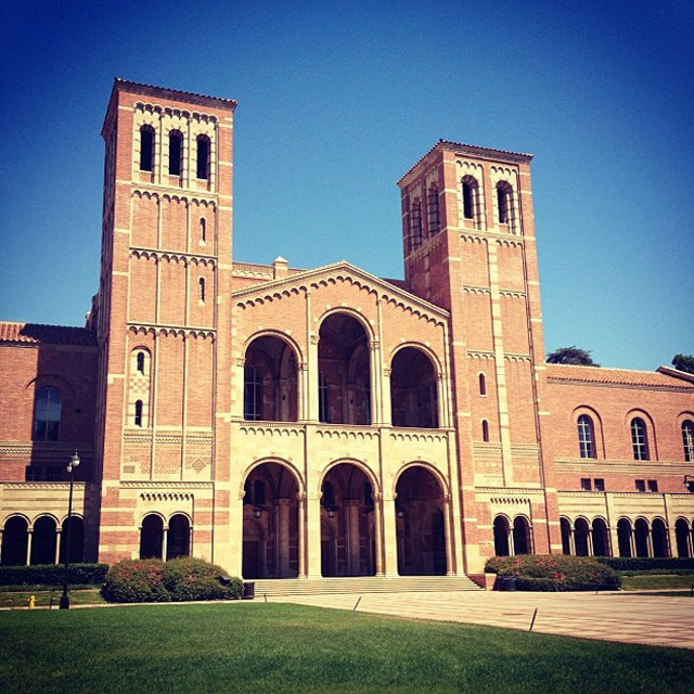 I will never tire of looking at Royce Hall. LOVE UCLA CAMPUS!