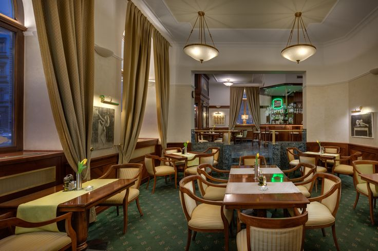 V-café & bar at Boutique hotel Seven Days Prague