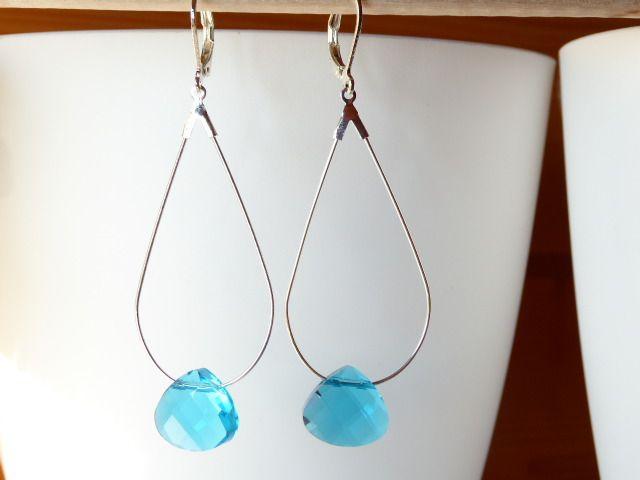 boucles d'oreilles créoles goutte et perle aquamarine bleue : Boucles d'oreille par un-jour-ou-l-autre
