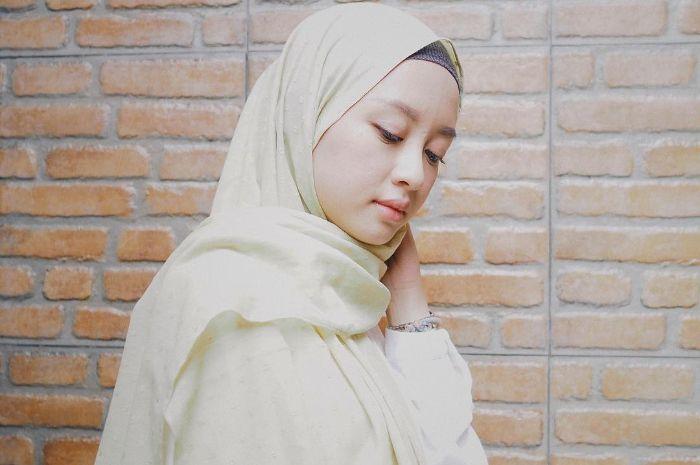 Tutorial Hijab Pashmina Bahan Diamond Ragam Muslim Tutorial Hijab Pashmina Hijab Kebaya