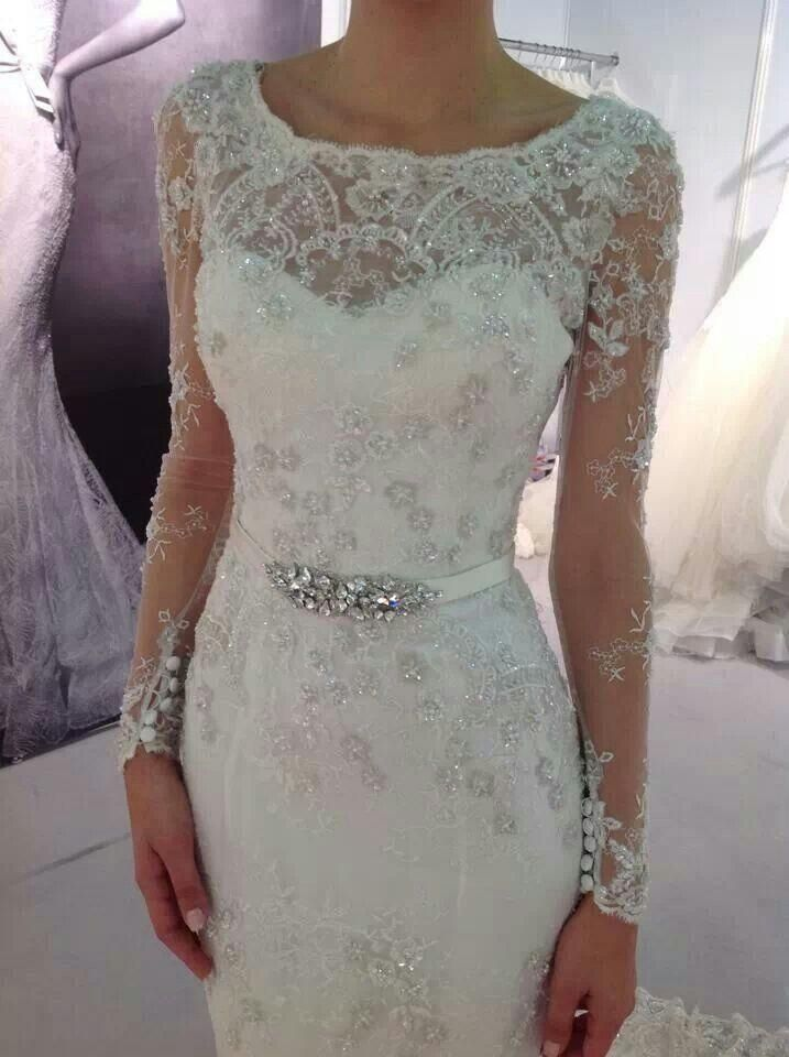 Sweetheart neck with beaded mesh wedding dress
