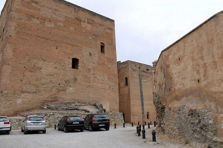 Recuerda que estamos al lado de #TorresBermejas y a un paso de la #Alhambra. ¡No lo olvides a la hora de planificar tu visita!