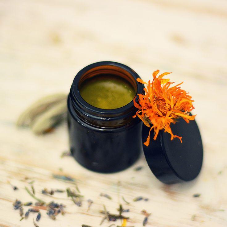 """Crema Organica pentru seara """"DragaMea"""" : regeneranta, hranitoare, cicatrizanta."""