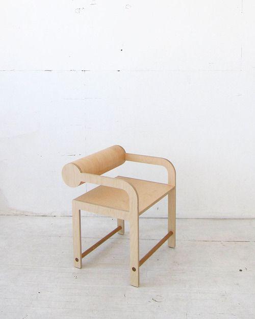 leaning cylinder arm chair | waka waka.