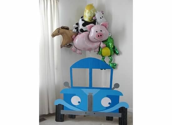 M's Little Blue Truck Birthday blog post - LOTS of ideas and picture for a Little Blue Truck birthday party http://keepingupwiththeshaners.blogspot.com/2015/01/little-blue-truck-birthday.html